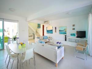 Architect's Villa, Villas  Protaras - big - 3