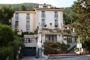 Hotel Ristorante Le Terrazze Sul Gargano - AbcAlberghi.com