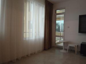 Nicol Apartment in Hermes Complex, Apartmány  Slnečné pobrežie - big - 4