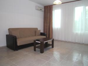 Nicol Apartment in Hermes Complex, Apartmány  Slnečné pobrežie - big - 15