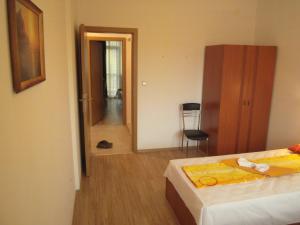 Nicol Apartment in Hermes Complex, Apartmány  Slnečné pobrežie - big - 17