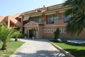 Christina Hotel - Mesongi