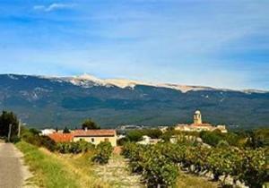A l'ombre du géant de Provence