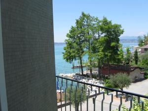 Hotel Giardino Sirmione Da 110 Offerte Agoda