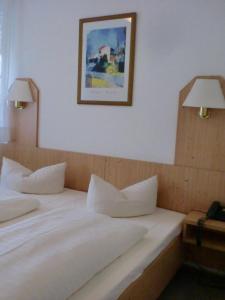 Hotel & Gästehaus Krone, Hotely  Geiselwind - big - 22