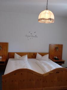 Hotel & Gästehaus Krone, Hotely  Geiselwind - big - 21