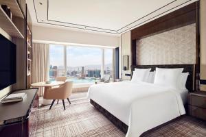 Four Seasons Hotel Hong Kong (27 of 81)