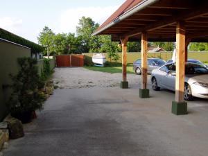 Penzion Pod Vápenkami, Guest houses  Strážnice - big - 45