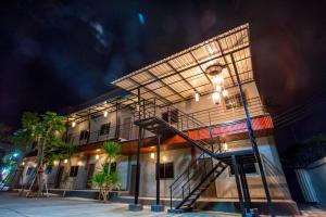 First Residence - Ban Nong Pa Kha