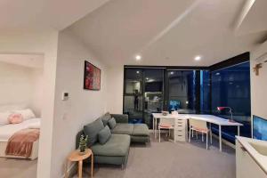 Close to Mel uni & RMIT study room 2BR