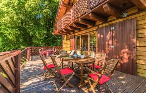 Awesome home in Sztutowo with WiFi and 5 Bedrooms