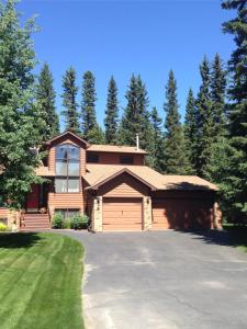 Redwood Meadows Bed and Breakfast - Cochrane