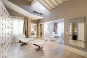 Cavalieri Palace Luxury Residences - AbcFirenze.com