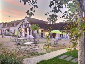 Location gîte, chambres d'hotes Logis Hôtel du Cygne dans le département Loir et Cher 41
