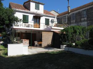 Guesthouse Trogir Proto - Трогир
