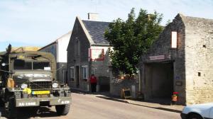 Chambres et Tables d'hôtes à l'Auberge Touristique, Bed and breakfasts  Meuvaines - big - 82