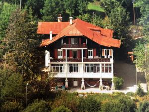 Les Airelles Bed and Breakfast