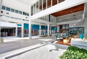 X2 Vibe Phuket Patong Hotel - Ban Patong