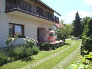 Gyöngyvirág Vendégház, Ferienwohnungen  Balatonboglár - big - 43