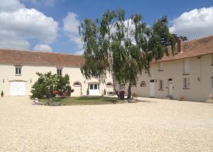 Location gîte, chambres d'hotes Ferme de Villeray-Chambre d'hôtes dans le département Essonne 91