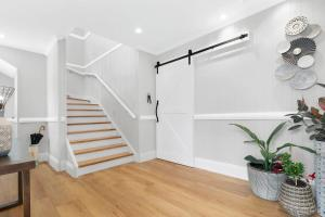 Ava's Cottage - Gorgeous Freshly Renovated 4BR Home In The Heart Of Toowong