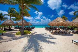 The Elements Oceanfront & Beachside Condo Hotel - Playa del Carmen