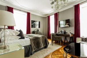 Hotel St. Petersbourg (11 of 51)