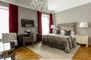 Hotel St. Petersbourg (35 of 41)