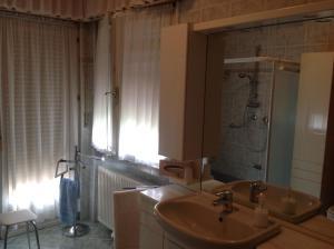 B&B Dora, Bed and Breakfasts  Colloredo di Monte Albano - big - 57