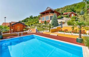 Three-Bedroom Holiday Home in Novi Marof