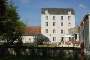 Location gîte, chambres d'hotes Le Moulin Neuf dans le département Cher 18