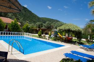 Villa Dimitris Apartments & Bungalows, Apartmány  Lefkada - big - 47