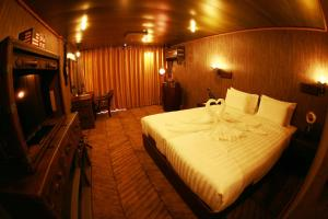 Vintage Luxury Yacht Hotel (34 of 40)