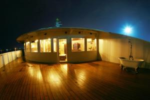 Vintage Luxury Yacht Hotel (6 of 40)