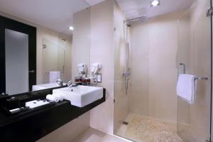Grand Aston City Hall Hotel & Serviced Residences, Aparthotels  Medan - big - 4
