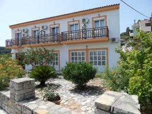Hostels e Albergues - Dina