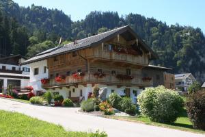 Appartement Kichelerhof - Hotel - Strass im Zillertal