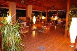 Bahía Tropical, Hotels  Almuí±écar - big - 44