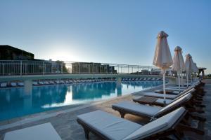 Bella Beach Hotel, Rezorty  Hersonissos - big - 25