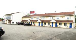 Budget Host Airport Inn, Motel  Waterville - big - 1