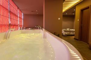 Cocor Spa Hotel, Resorts  Neptun - big - 13