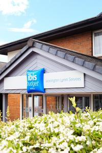 ibis Budget Warrington Lymm Services - Glazebury