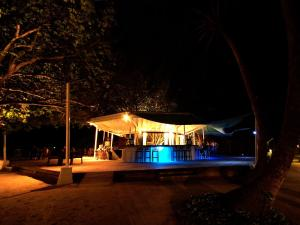 Ellaidhoo Maldives by Cinnamon, Курортные отели  Хангнаамеедхоо - big - 43