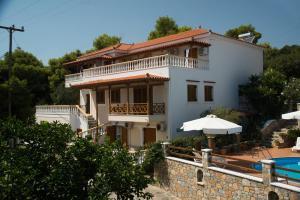 Elena Studios Alonissos Greece