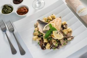 Herods Dead Sea – A Premium Collection by Fattal Hotels, Szállodák  Neve Zohar - big - 38