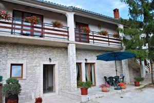 Apartment Mateo - Šajini