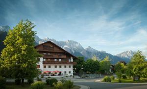 Familien Landhotel Stern - Hotel - Obsteig