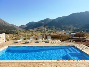 Panorama Askifou - Karés