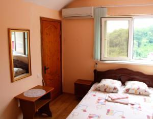 Prostor Guest House, Penziony  Loo - big - 188