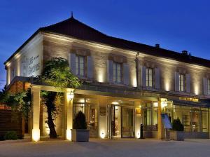 Hôtel Les Glycines (1 of 109)